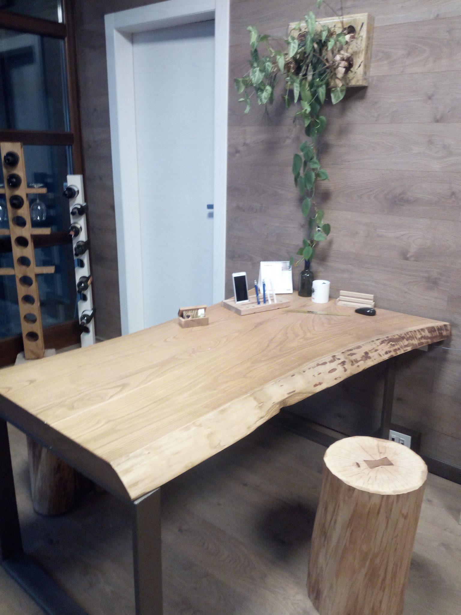 Tavoli in legno artigianali