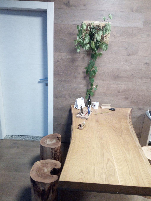 Tavoli artigianali in legno realizzati su misura